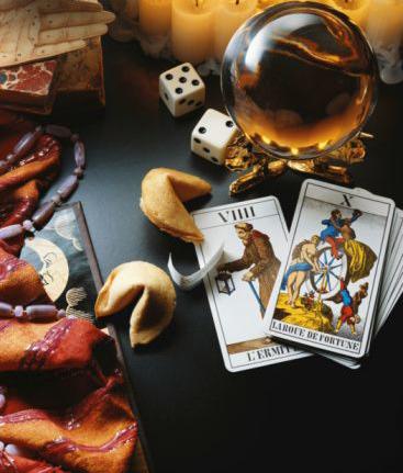 Tarot y Oráculo
